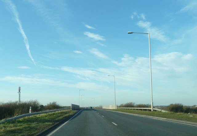 A585, Amounderness Way crossing railway line