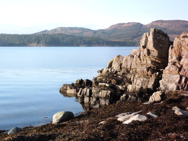 Rocky shore at Creagan Dubh, Loch Fyne