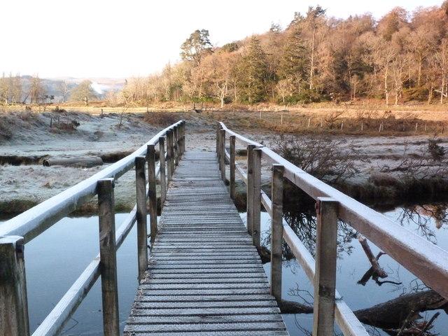 Footbridge across Strathlachlan River