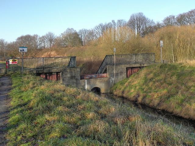 Sluice Gate, Timperley Brook