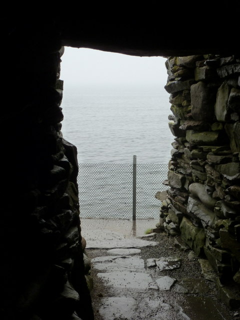 Jarlshof: sea view through wheelhouse door