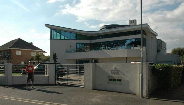 Modern House - Friarscliff
