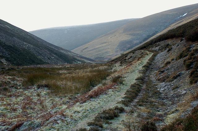 Track in upper Glen Sax