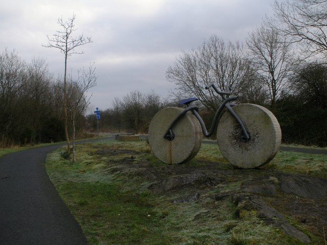 Cycle route near Howwood