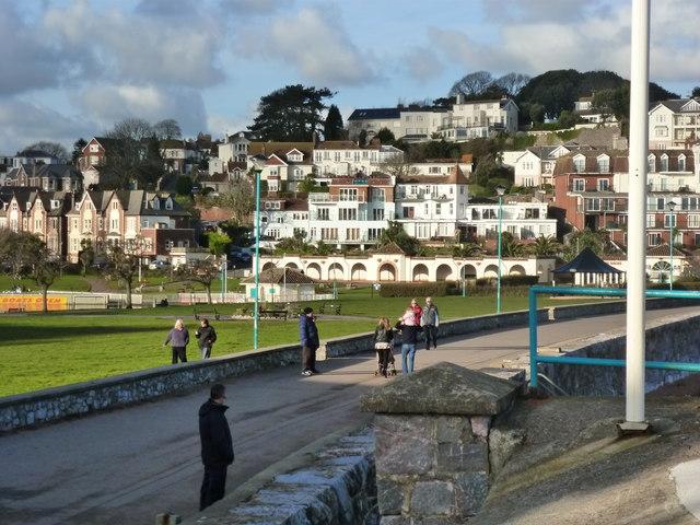 Goodrington: promenade, park, hotels and dwellings