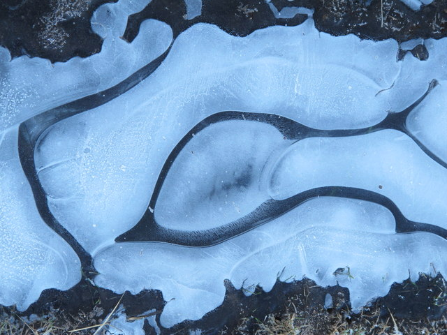 Ice pattern on the track on Long Rigg