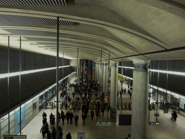 Entrance hall, Canary Wharf Underground Station