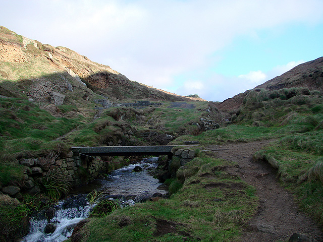 Footbridge over a stream at Porth Nanven