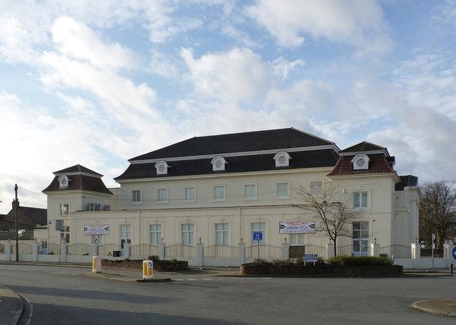 The Centre, Merrick Road