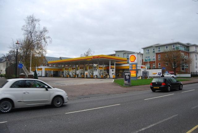 Shell filling station, St John's Rd