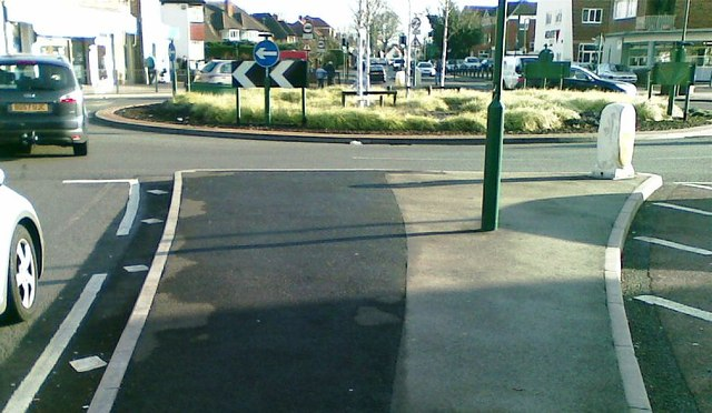 Roundabout, School Road, Shirley