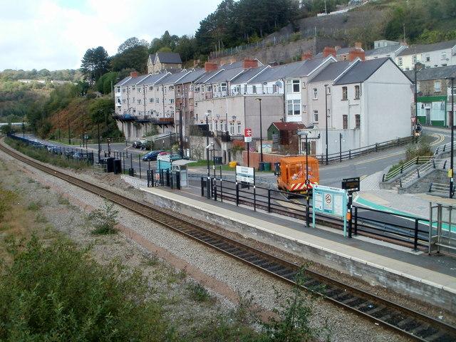 Western end of Llanhilleth railway station