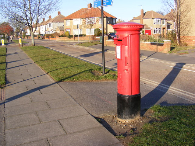 128 Heath Road Postbox