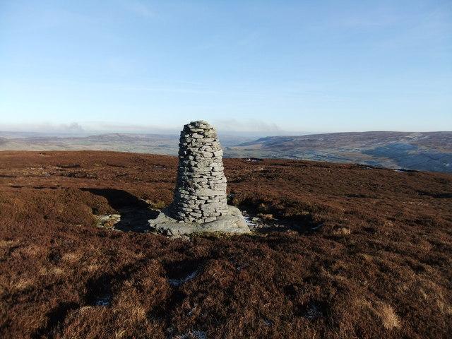 Cairn on Blea Barf