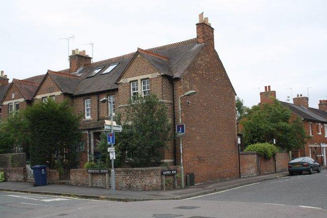 Junction of Hayfield Road and Frenchay Road