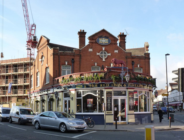 The Red Lion and Pineapple