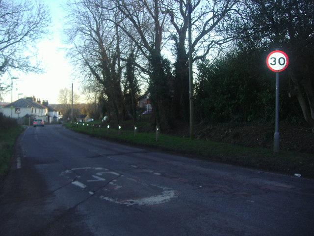 Cobham Road entering Fetcham