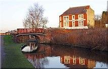 SO8277 : Limekiln Bridge (no.17) and Veldonn Printers Ltd., Kidderminster by P L Chadwick