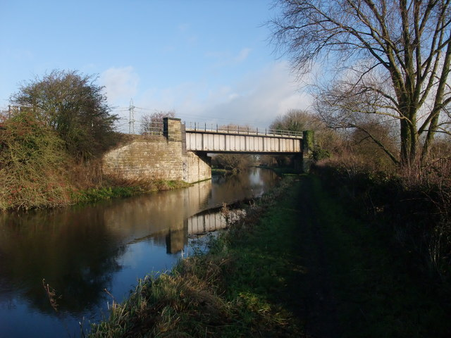 Railway bridge 7A over the Trent & Mersey Canal