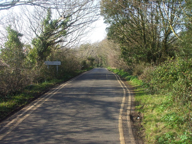 St Mary's Well Bay  Rd, approaching Swanbridge