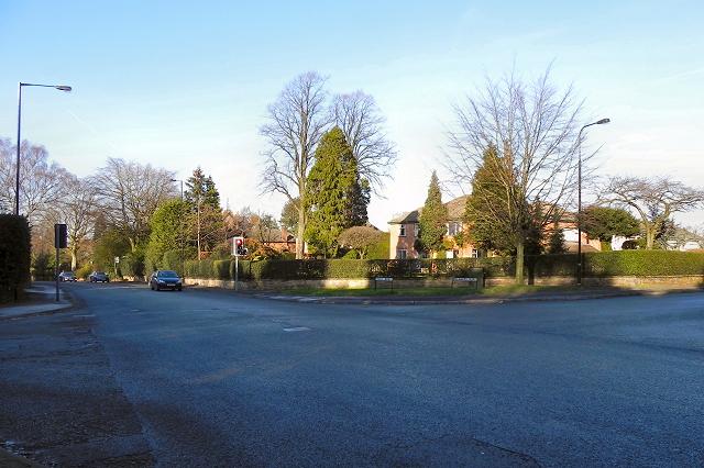 Hale Road (A538)