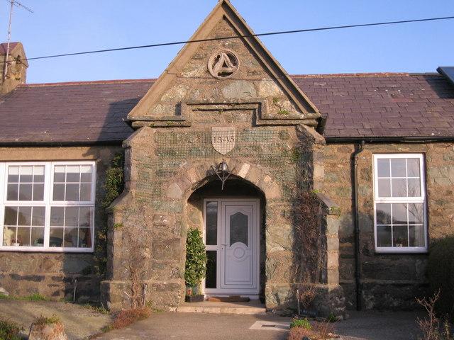Hen Ysgol Edern Old School