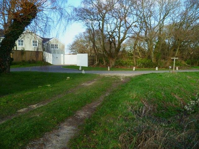 Footpath junction on Westlands Lane