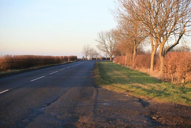 Bend ahead on the B1398 looking towards Kirton