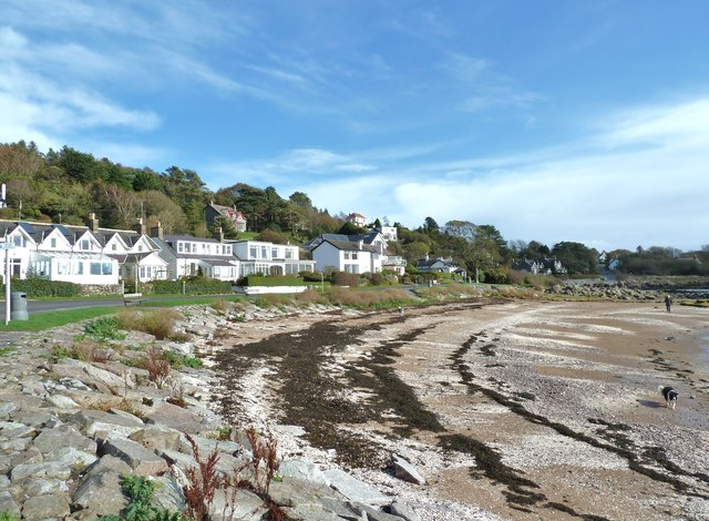 Beach and houses at Rockcliffe