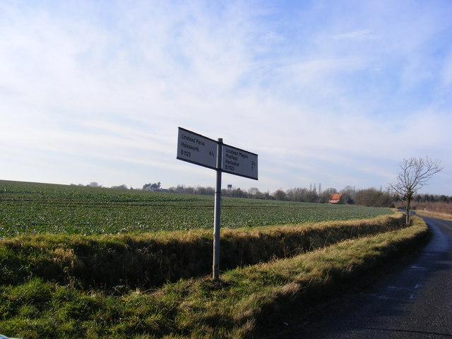 Roadsign on the B1123 Harleston Road