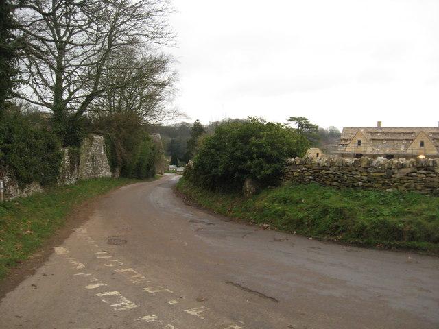 Lane heading in to Duntisbourne Abbots