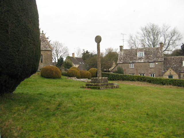 Ancient preaching cross at Duntisbourne Abbots