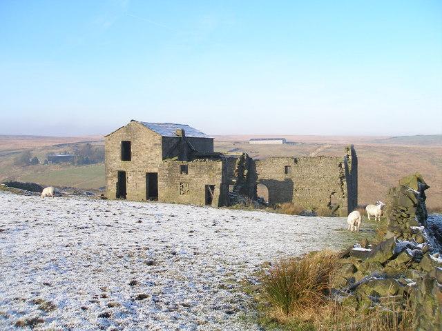 Derelict farm at Higher Heath