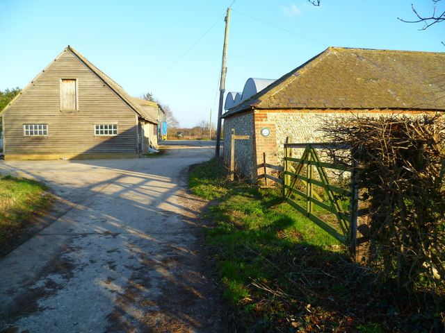 Footpath to Itchenor Park Farm from the west