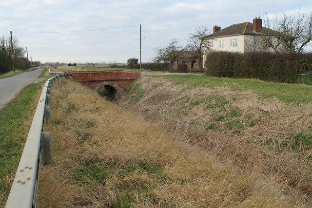 Bridged access to The Mantles off Kirton Holme road