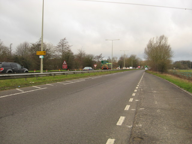 Looking back on the A419 towards Cirencester