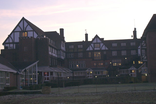 Parkway Hotel by Golden Acre Park