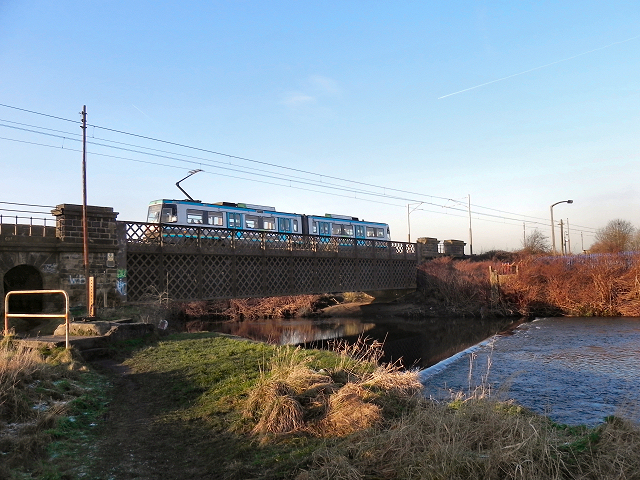 Metrolink over the Irwell