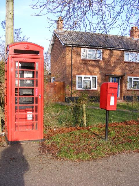 Telephone Box & Sir Alfred Munnings Hotel Postbox