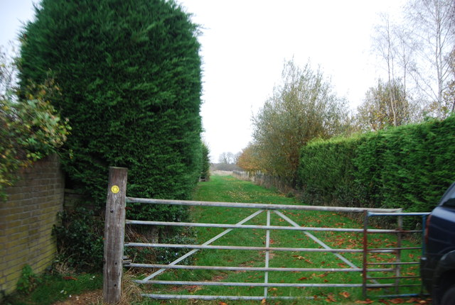 Gate on the footpath at the end of The Drive