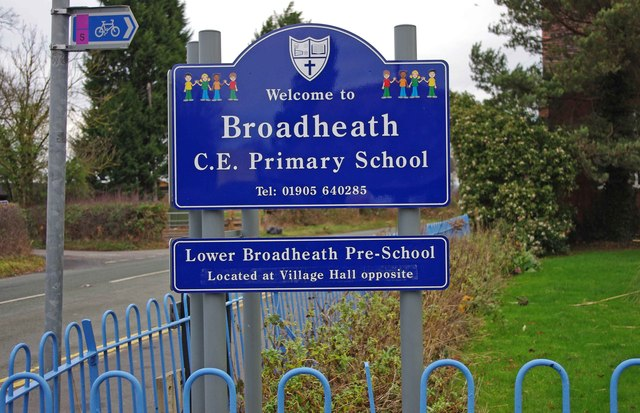 Broadheath Church of England Primary School (3) - sign, Sailor's Bank, Lower Broadheath