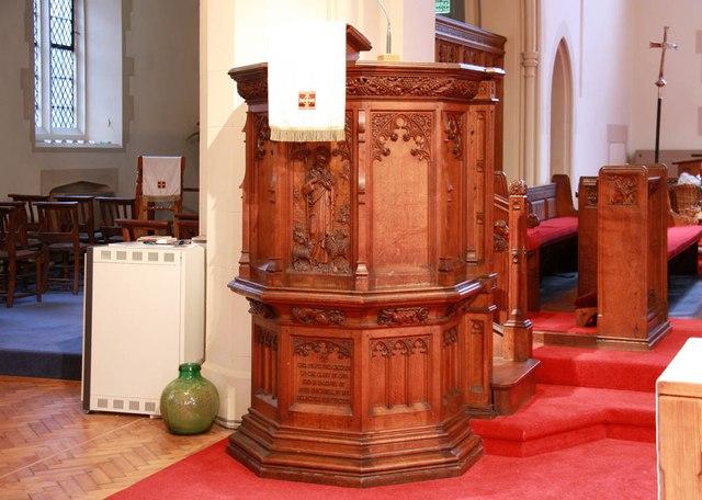 St John the Divine, High Path, Merton - Pulpit
