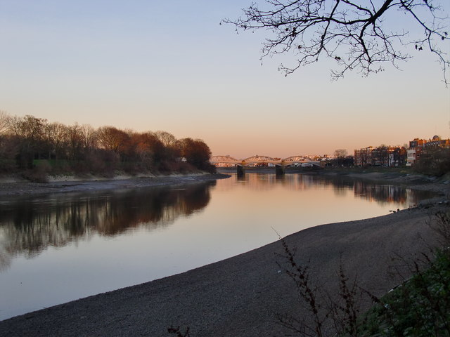 The Thames at Mortlake: the view downstream, at dusk