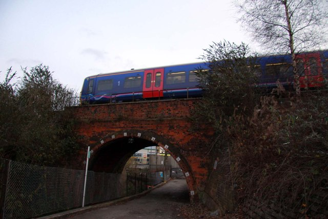 Hodsoll Road Bridge in Reading