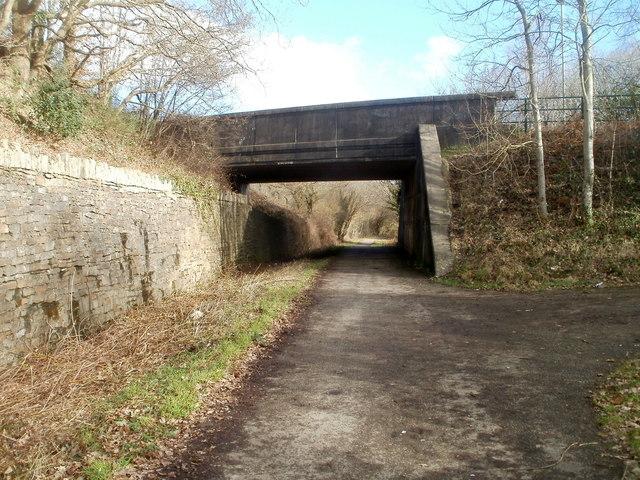 Addison Way bridge east of Trethomas