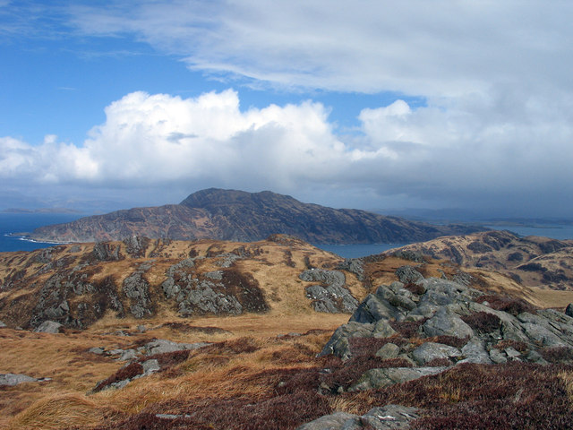 Moorland with rock outcrops north from Cruach na Seilcheig