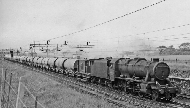 Up cement empties at Hartford Junction