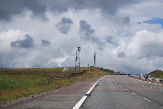 Telecommunications masts, M74