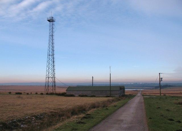 Huts and mast, Scargill Pasture