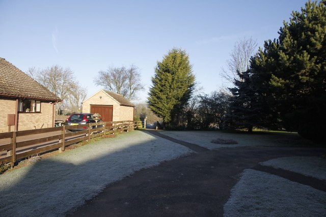 Footpath past the chapel